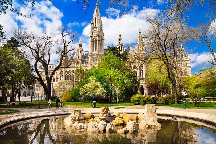 Visitate la famosa capitale austriaca con un bus per Vienna