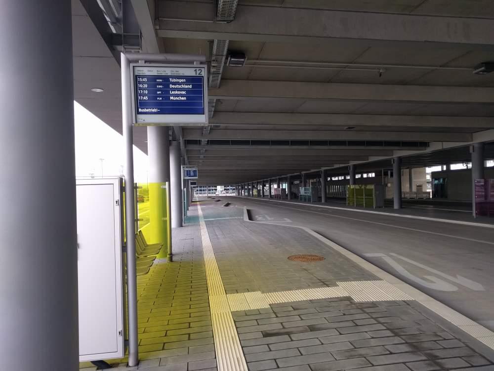 Die neue Bushaltestelle am Stuttgarter Flughafen