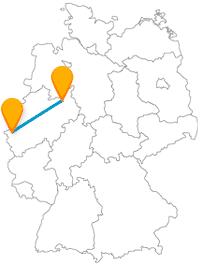 Auf der Reise mit dem Fernbus zwischen Aachen und Bielefeld sind alle Bauwerke, ob groß oder kleiner, historische Schätze.