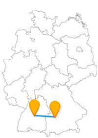 Mit dem Fernbus zwischen Augsburg und Tübingen haben Sie Einblicke in ganz private Räume.