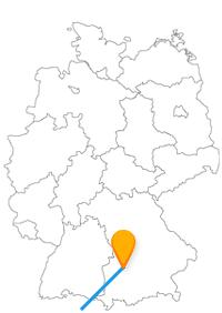 Zwei bedeutende Kirchen oder erholsame Spaziergänge sind die möglichen Ziele nach der Fahrt im Fernbus Augsburg Zürich.