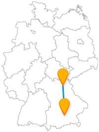 Ob dunkle Grotte oder ein großes Fest, die Fernbusreise von Bayreuth nach München bietet viel Abwechslung.