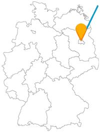 Der Fernbus zwischen Berlin und Danzig (Gdańsk) hat jeweils große Kirchen zum Ziel.
