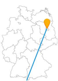 Die Reise mit dem Fernbus von Berlin nach Mailand führt über mehrere Ländergrenzen hinweg.