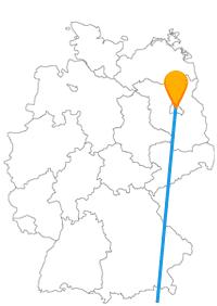 Die Reise mit dem Fernbus zwischen Berlin und Neapel verbindet zwei Großstädte, die auf dem Weg zu Küste liegen.