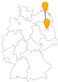Entdecken Sie auf Ihrer Reise mit dem Fernbus von Berlin nach Stralsund den Pariser Platz und ein Chemikerhaus.