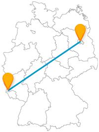 Auf der Reise mit dem Fernbus zwischen Berlin und Trier können Sie zum Erhalt eines Doms beitragen und mittelalterliche Bauwerken bewundern.