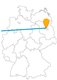 Die Fahrt mit dem Fernbus von Berlin nach Utrecht eignet sich für Lichtkunstfans besonders nachts gut.