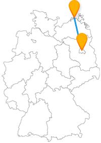 Mit dem Fernbus Berlin Zingst verbinden Sie die Hauptstadt mit einer norddeutschen Halbinsel an der Ostsee.