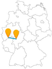 Nach Ankunft mit dem Fernbus in Bonn oder Gießen erhalten Sie je nachdem ein paar historische oder kunsthandwerkliche Eindrücke.