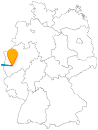 Die Fahrt mit dem Fernbus zwischen Brüssel und Köln ist fast eine Reise ins Mittelalter.