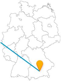 Spüren Sie nach Ihrer Reise im Fernbus zwischen Brüssel und München mittelalterliches Flair und lauschen süßem Glockenspiel.