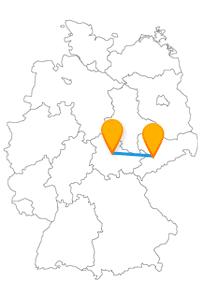Der Fernbus von Chemnitz nach Erfurt führt Sie zu einer beeindruckenden Glocke.