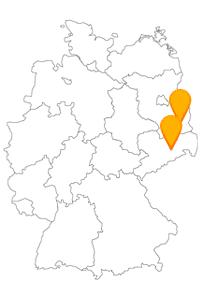 Ihre Fahrt mit dem Fernbus Cottbus Dresden führt Sie vorbei an Schloss Pillnitz und den Loh- und Weißgerberhäusern.