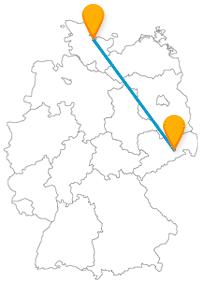 Beide Städte der Fernbuslinie zwischen Dresden und Kiel haben öfter mal mit der Flut zu tun.