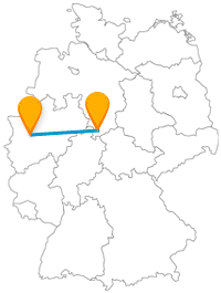 Küssen Sie nach der Reise mit dem Fernbus von Düsseldorf nach Göttingen eine besondere Frau.