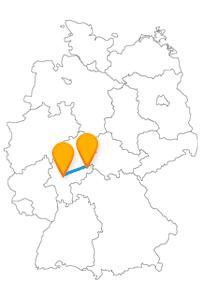 Besuchen Sie auf Ihrer Reise mit dem Fernbus Frankfurt Fulda den Dom St. Salvator zu Fulda oder den Main Tower.
