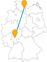 Die Fahrt mit dem günstigen Fernbus von Frankfurt nach Lübeck bringt Sie vom Landesinneren an die See.