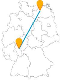 Der Fernbus von Frankfurt nach Rostock verbindet den größten deutschen Flughafen mit einem der größten deutschen Kreuzfahrthäfen.