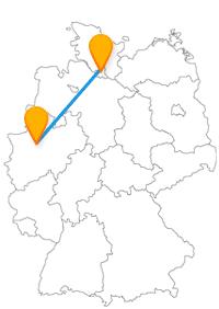 Mit dem Fernbus von Gelsenkirchen nach Hamburg gelangen Sie zum Alsterpark oder zum Sommerfest Schloss Berge.
