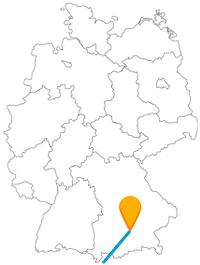 Neue Straßen vergangener Zeiten und das England in Bayern, der Fernbus zwischen Genua und München könnte überraschend sein.