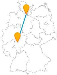 Es muss nicht der Alte Friedhof oder immer die Reeperbahn sein, die Reise im Fernbus zwischen Gießen und Hamburg hält noch vieles andere bereit.