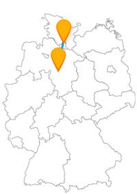 Sie reisen mit dem Fernbus von Hamburg Flughafen nach Hannover Flughafen und besuchen nebenbei den Park Planten un Blomen.