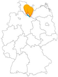 Haben Sie eine angenehme Fahrt mit dem Fernbus zwischen Hamburg und Lüneburg und genießen anschließend Hafenflair und grüne Heiden.