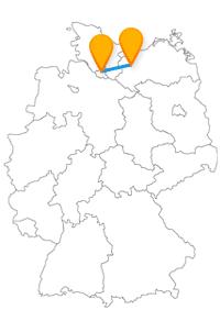 Mit dem Fernbus Hamburg Schwerin startet Ihre Städtetour vielleicht mit dem Besuch des Schweriner Sees.