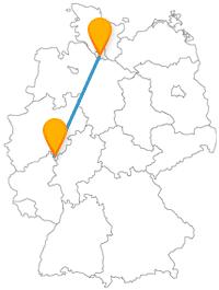 Die Reise mit dem Fernbus von Hamburg nach Siegen bringt Sie von einem Musemsschiff auf eine Glückstour.