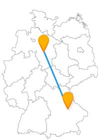 Entscheiden Sie sich bei einer Fahrt mit dem Fernbus zwischen Hannover und Regensburg entweder für Wurstkuchl oder einen Irrgarten.