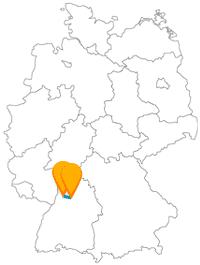 Die kurze Fernbusfahrt zwischen Heidelberg und Heilbronn eignet sich gut für historische Interessen.