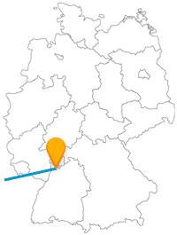 Schlossgeschichte oder Freizeitspaß? Mit Kindern auf der Reise im Fernbus zwischen Heidelberg und Paris wird die Entscheidung schnell fallen.