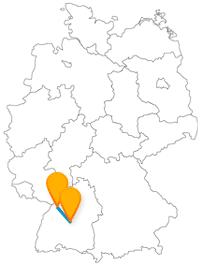 Die Fernbusstrecke zwischen Karlsruhe und Tübingen verbindet zwei renommierte Universitäten.