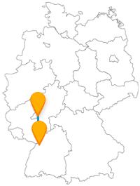 Auf der Reise mit dem Fernbus zwischen Karlsruhe und Wiesbaden sind beide Schlossplätze sehenswerte Attraktionen.