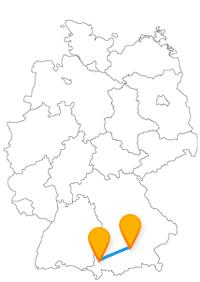 Besuchen Sie auf Ihrer Städtetour mit dem Fernbus Kempten München Schloss Nymphenburg und die Burghalde.