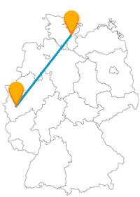 Entdecken Sie mit dem Fernbus zwischen Kiel und Köln eine Hafenspitze und einen berühmten Dom.