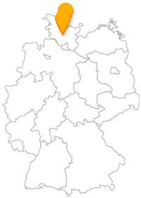 Eine Fernbusreise zwischen Kiel und Neumünster ist eine Reise durch ein Land zwischen zwei Meeren.