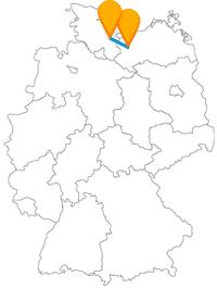 Lernen Sie auf Ihrer Fahrt im Fernbus zwischen Lübeck und Schwerin zwei wunderschöne Altstädte kennen.