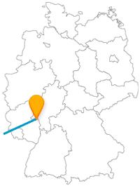 Die Fernbusreise zwischen Mainz und Paris führt Sie zu weltberühmten, aber auch mittelalterlichen Sehenswürdigkeiten.