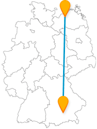 Nach der Anreise im Fernbus von München nach Rostock lädt die Stadt zum gemütlichen Flanieren ein.