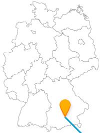 Erfahren Sie nach der Fahrt im Fernbus von München nach Zagreb von Wahrzeichen und Dachziegel-Kunstwerken.