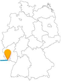Die Reise im Fernbus zwischen Paris und Saarbrücken bietet im großen wie im kleinen Stil reichlich Abwechslung.