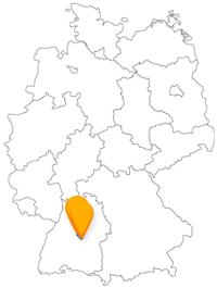 Nach der Fahrt im Bus und Fernbus von Reutlingen nach Stuttgart können Sie auf dem Württemberg einiges erleben.
