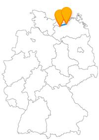 Diese Reise im Fernbus Rostock Wismar könnte zu einer Schiffsfahrt werden.