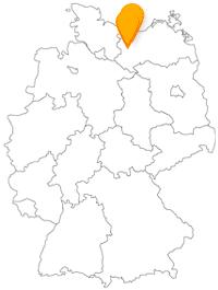 Haben Sie hoch im Norden Deutschlands eine angenehme Fahrt im Bus von Schwerin nach Wismar und schnuppern salzige Ostseeluft.