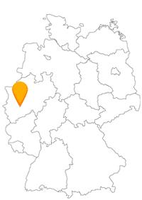 Die Busreise mit dem Fernbus bis Solingen könnte messerscharf werden.