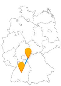 Die Fahrt im Fernbus Tübingen Würzburg könnte für Dom- und Kirchenfans interessant sein.