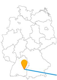 Die Reise mit dem Fernbus von Ulm nach Wien ersetzt eine lange Schiffsreise auf der Donau, die beide Städte verbindet.