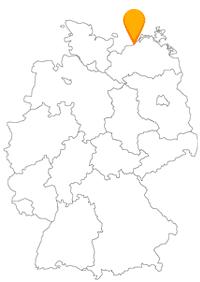 Der Fernbus Warnemünde bringt Sie in einen Stadtteil Rostocks, der als Ostseebad sehr beliebt ist.